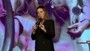Lo que aprendí de Mamá – Pastora Kelly Spyker